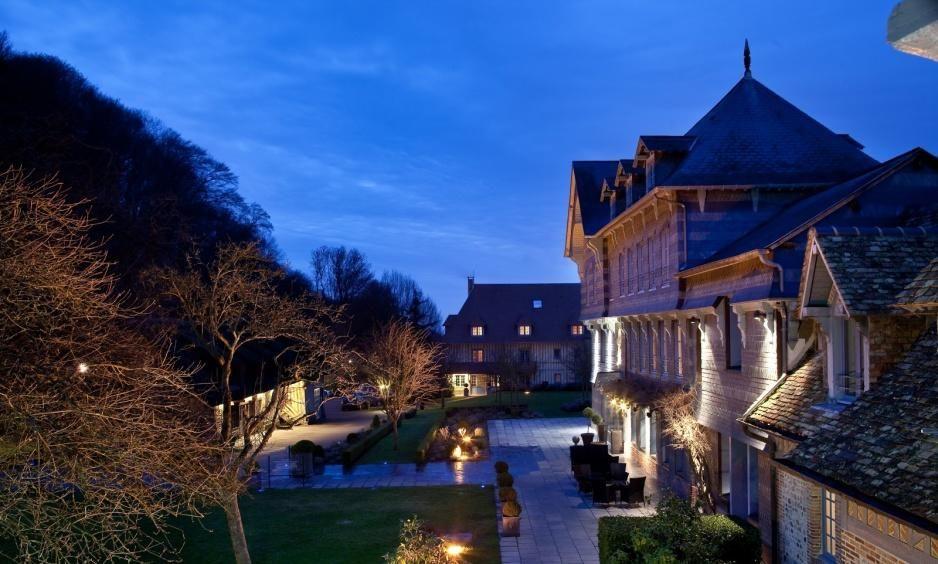 Hotel La Ferme Saint Simeon - Außenansicht